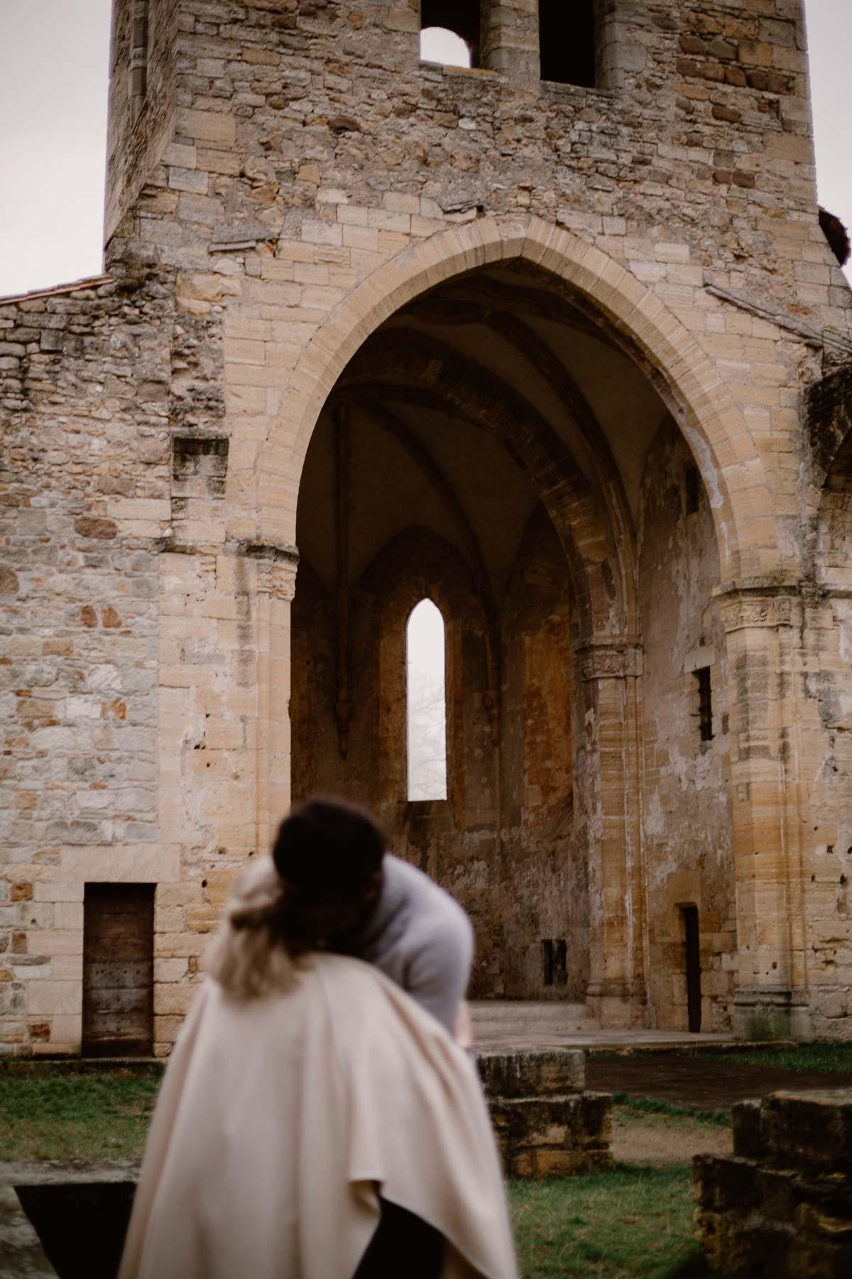 Photo de couple auvergne puy-de-dome eglise
