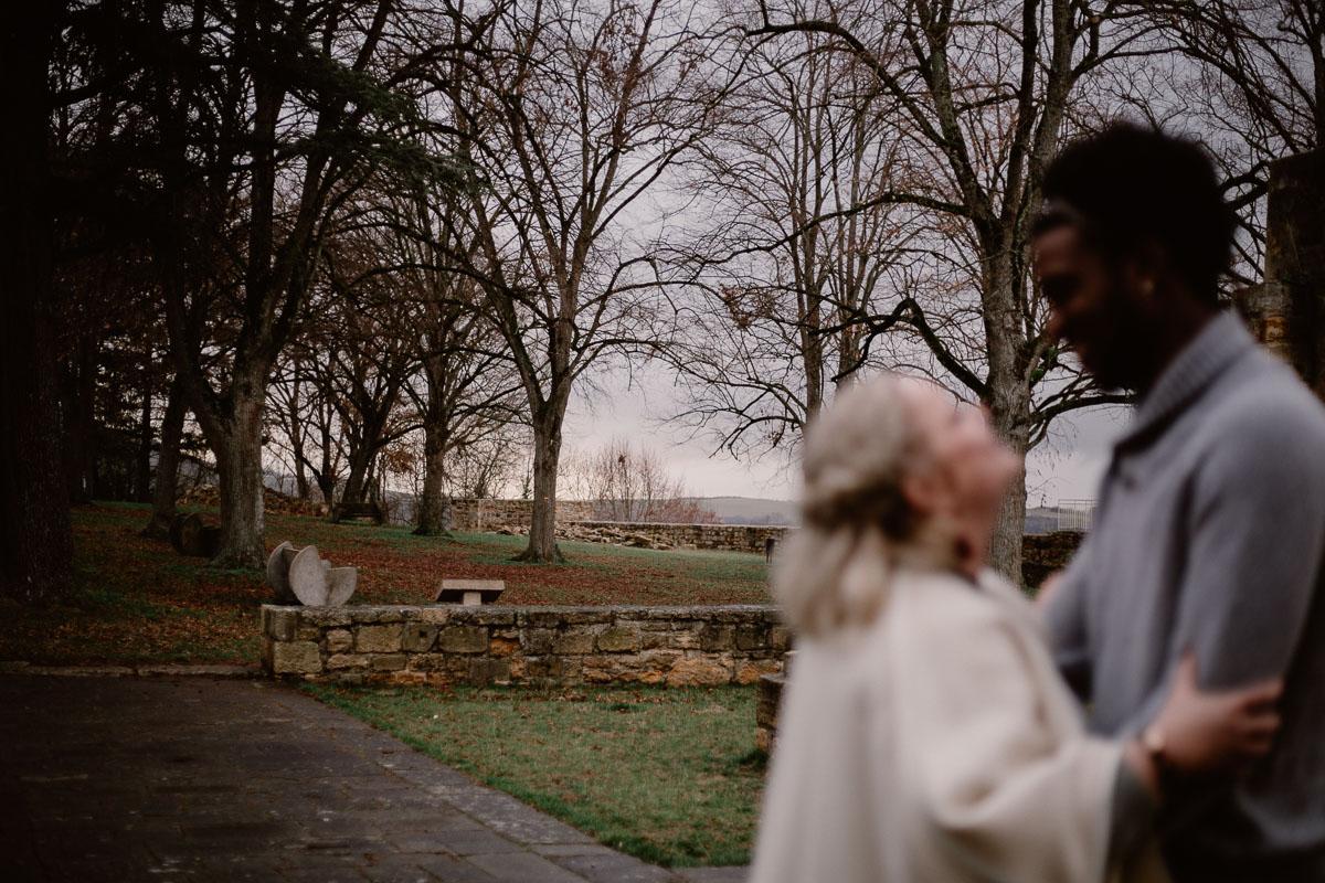 Photo de couple auvergne puy-de-dome jardin