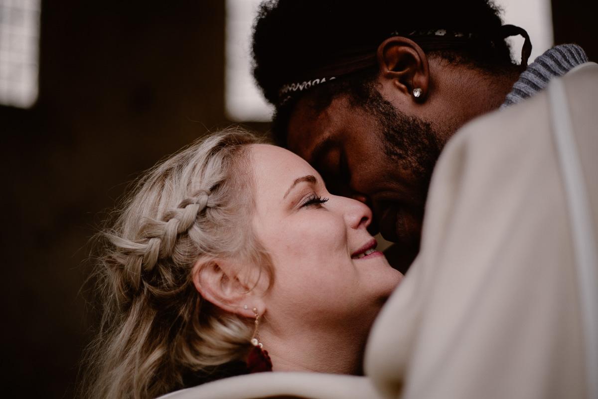Photo de couple auvergne puy-de-dome baiser