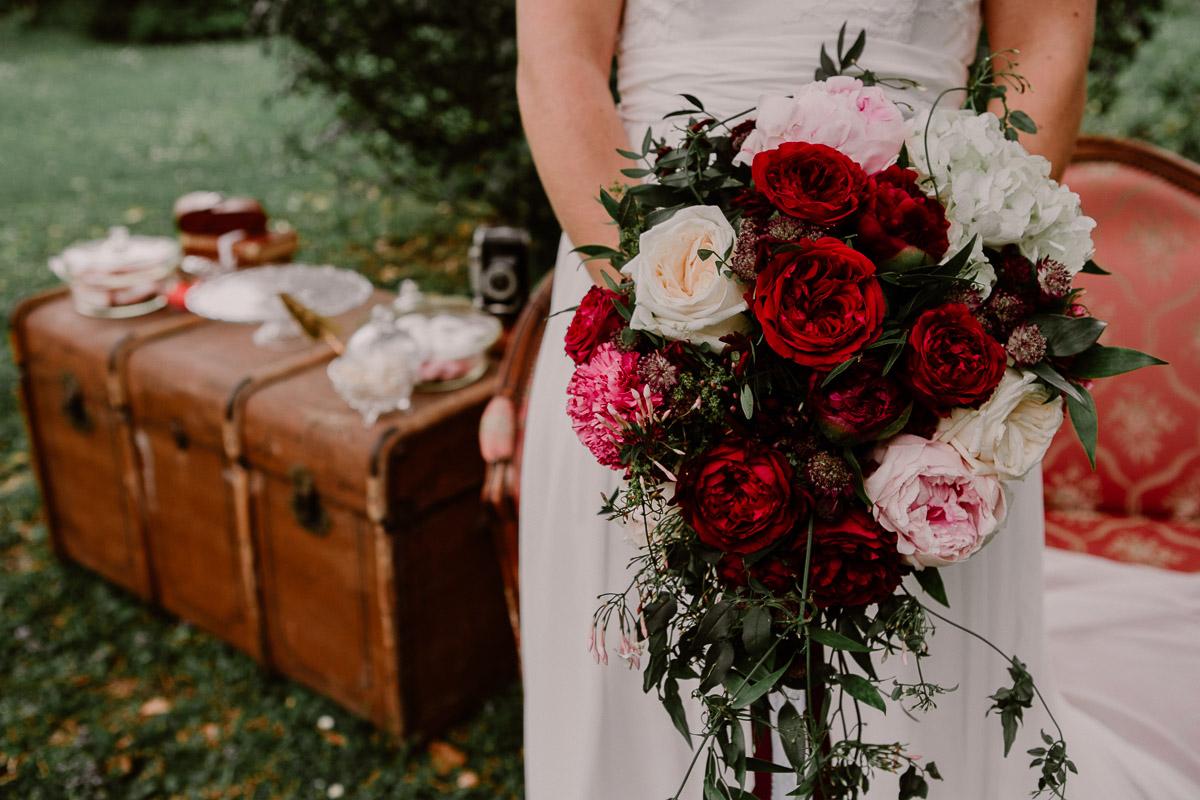 mariage au chateau près d'annecy roses