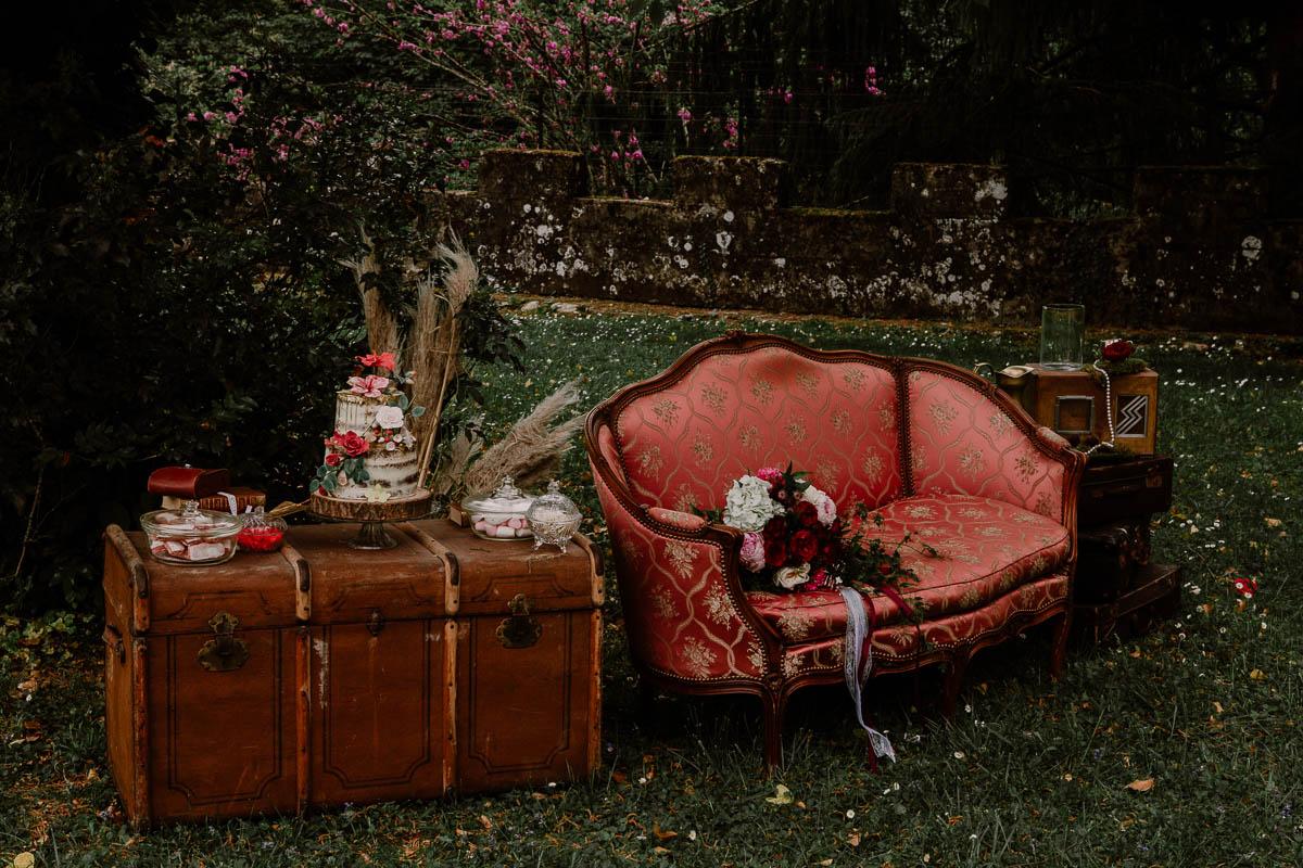 mariage au chateau près d'annecy canapé
