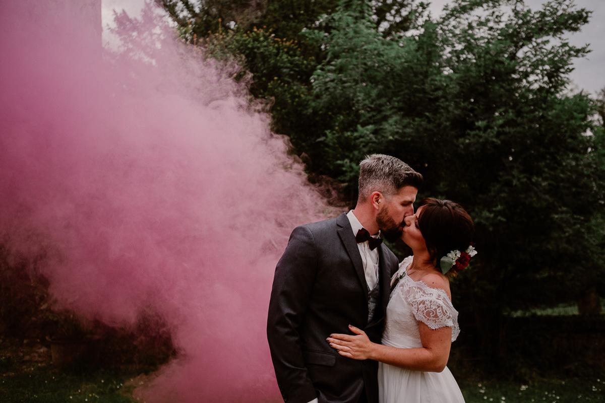 mariage au chateau près d'annecy fumigène