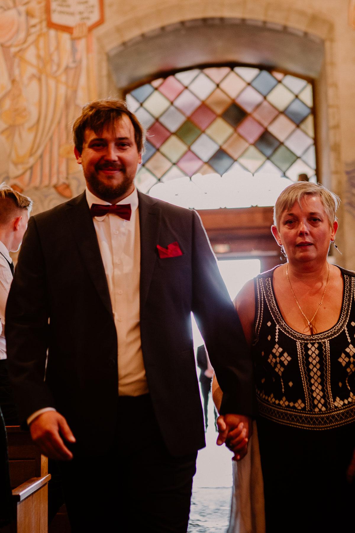 Mariage champêtre au chateau de Chazeron Auvergne maman