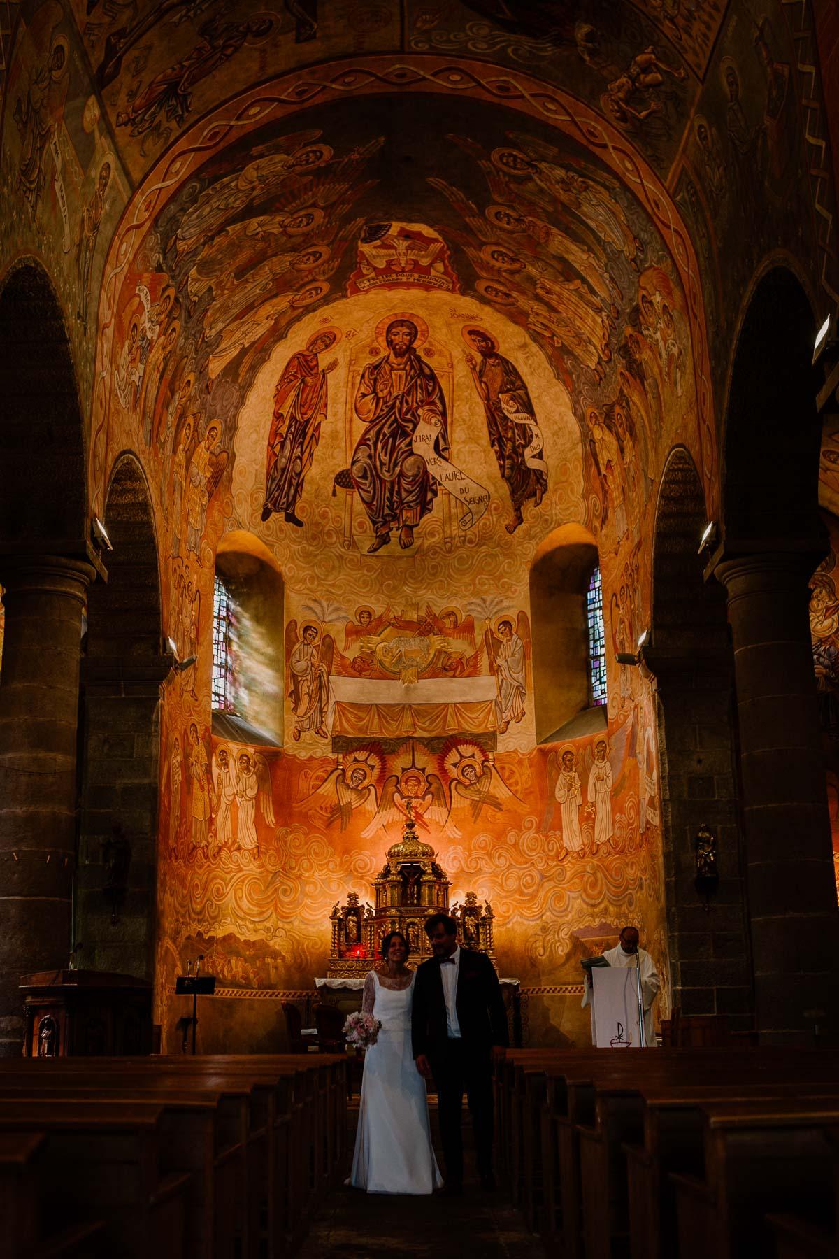 Mariage champêtre au chateau de Chazeron Auvergne voute