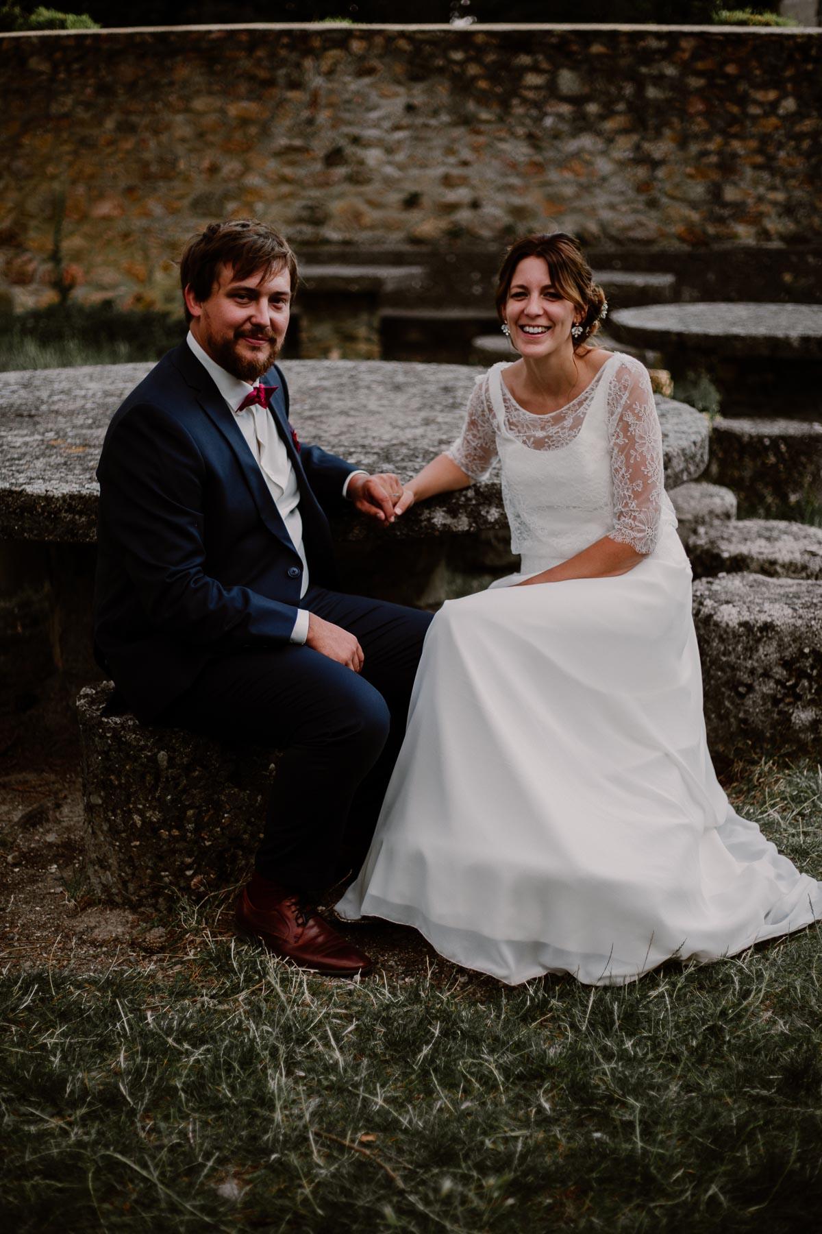 Mariage champêtre au chateau de Chazeron Auvergne ensemble