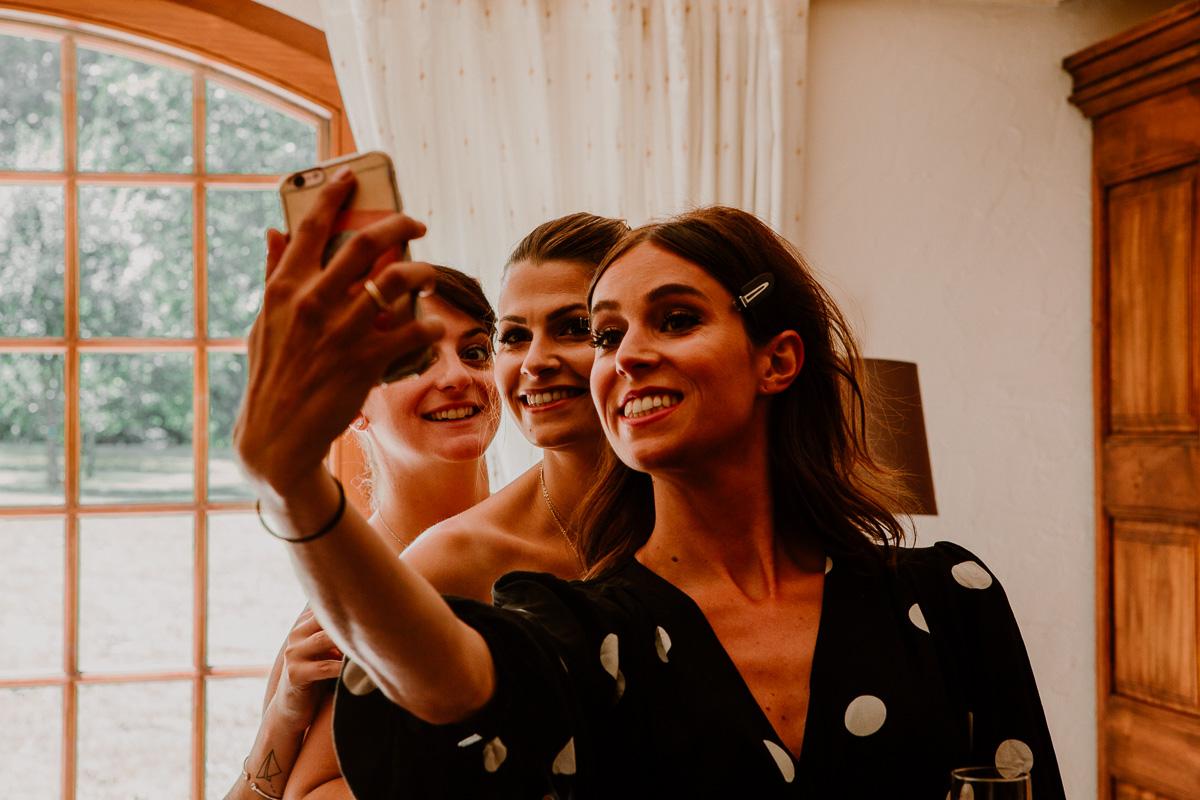 mariage au domaine de la médicée annecy selfie