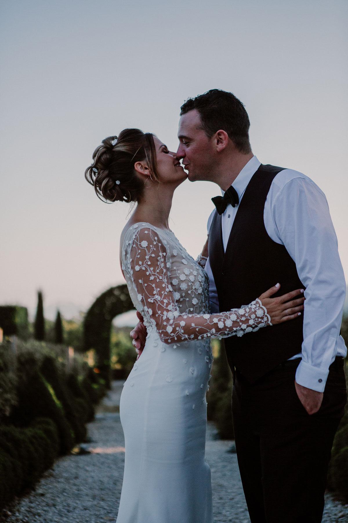 mariage au domaine de la médicée annecy kiss