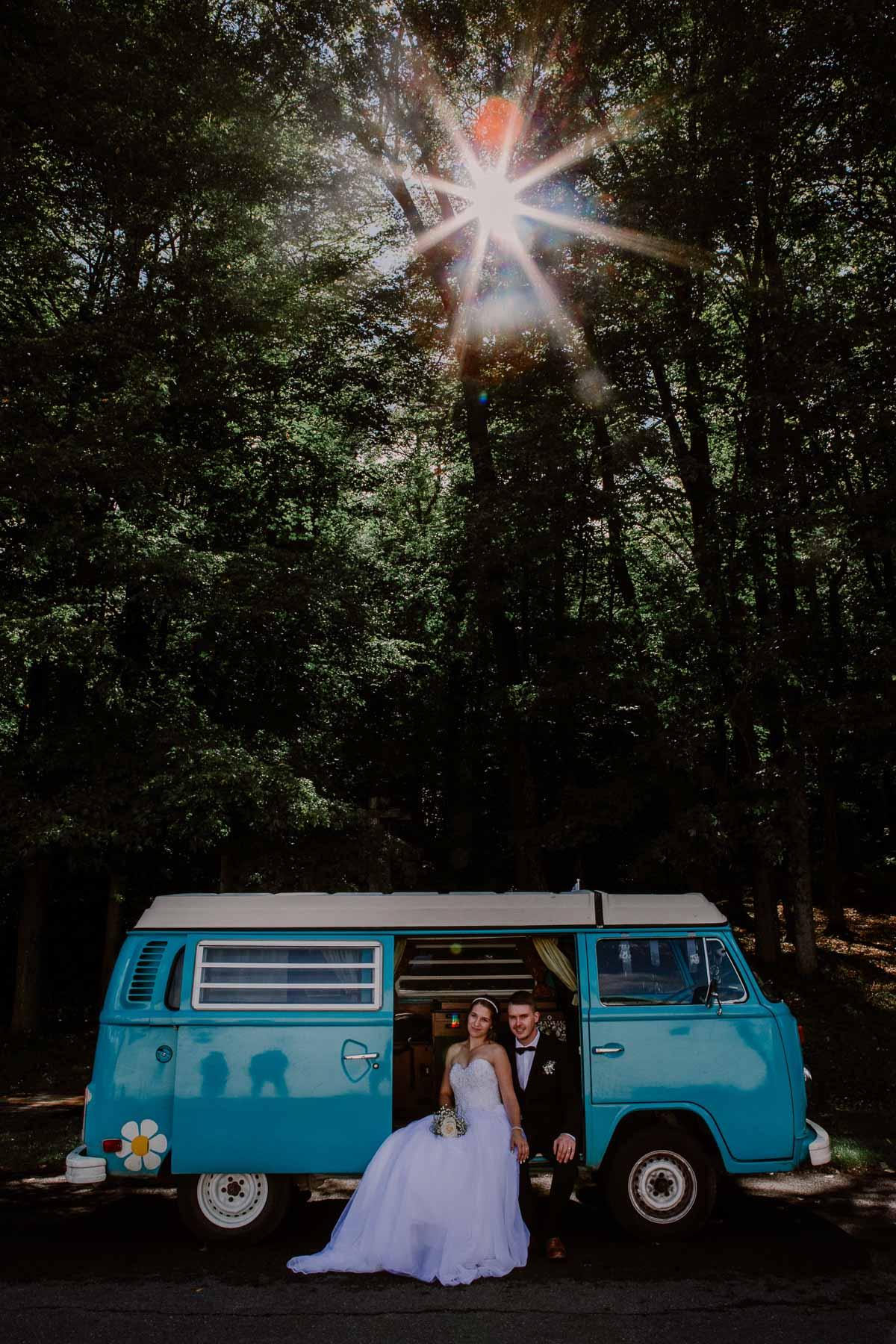mariage intime au québec en automne soleil