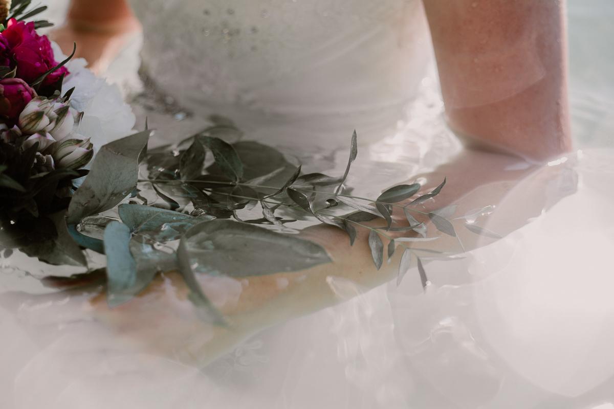 Trash the dress au lac du bourget près d'annecy transparence