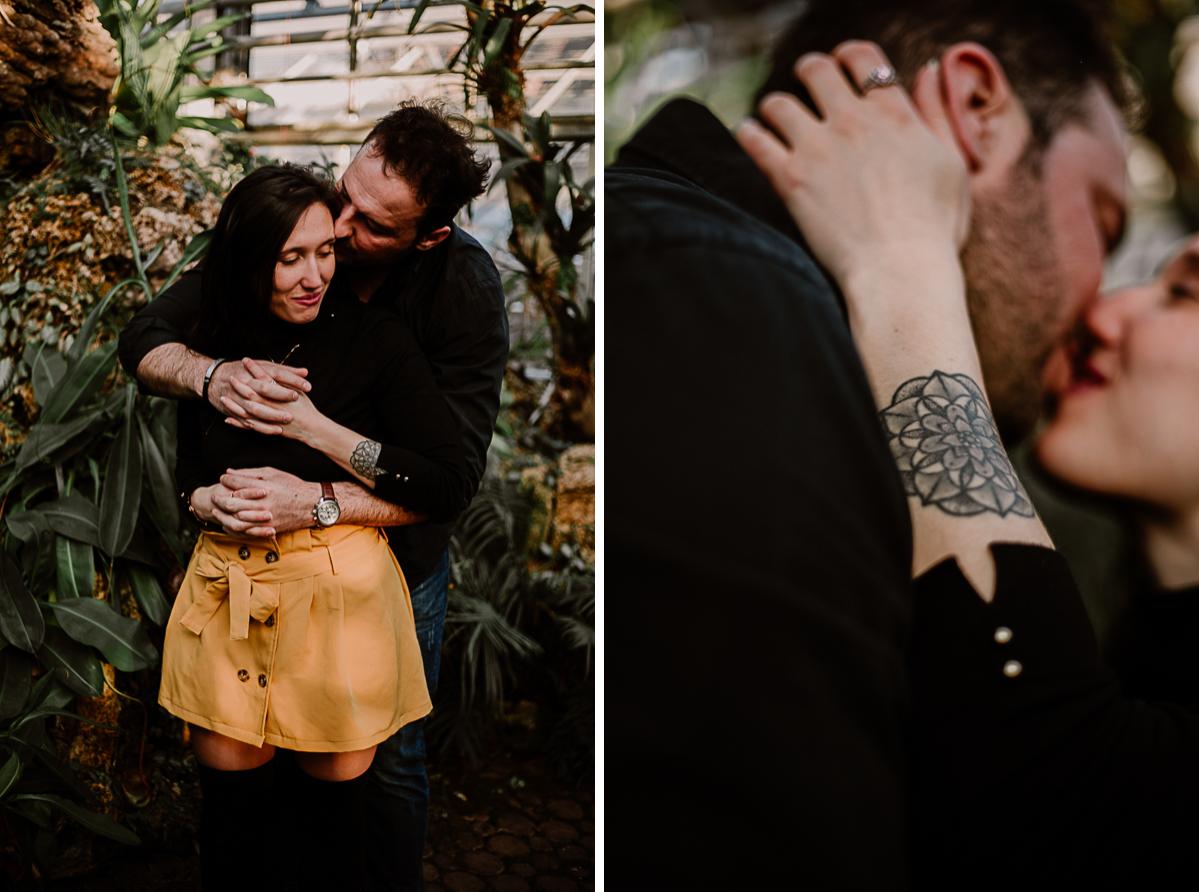 Séance photo de couple au ajrdin botanique de genève tendre