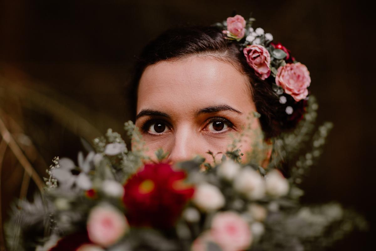 mariage intime au chateau de chazelles yeux
