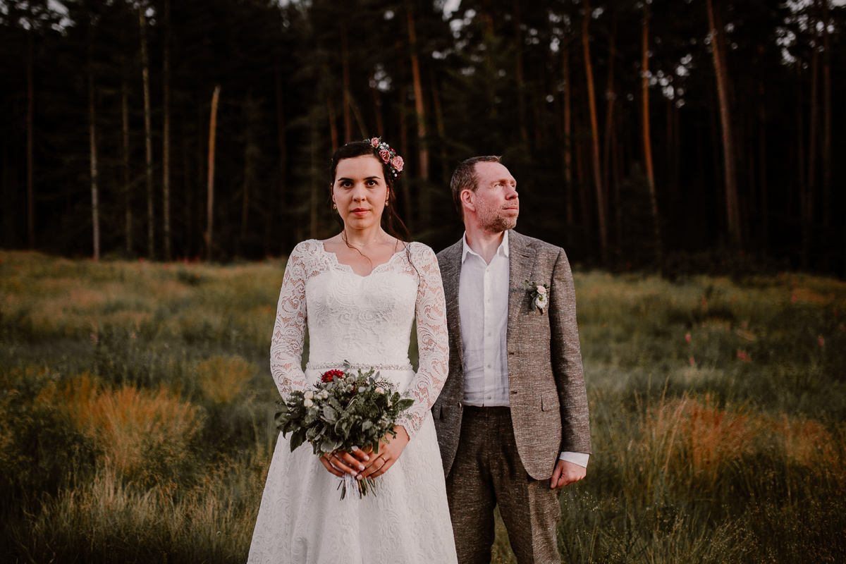 mariage intime au chateau de chazelles regard