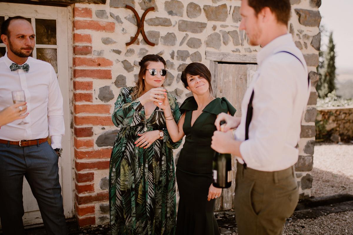 Photographe de mariage chateau boisrigaud usson auvergne témoins du marié