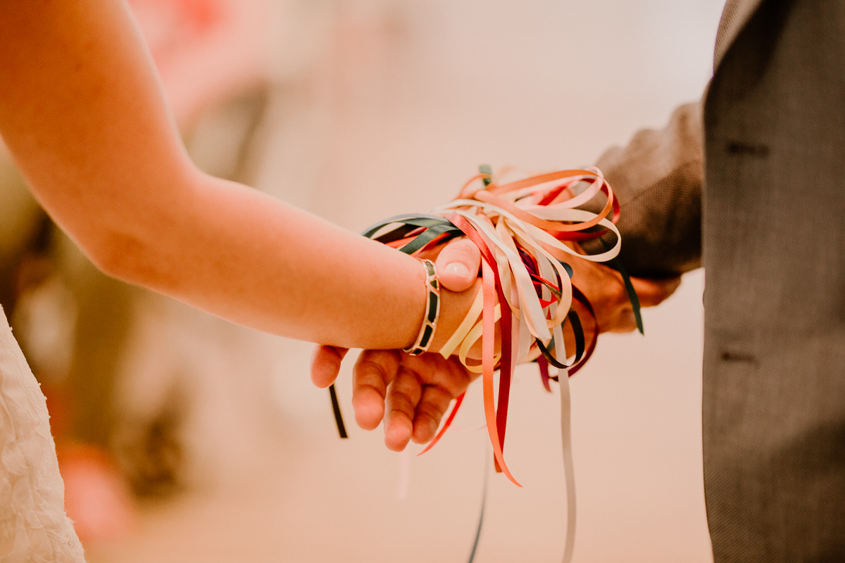 Photographe de mariage chateau boisrigaud usson auvergne rubans