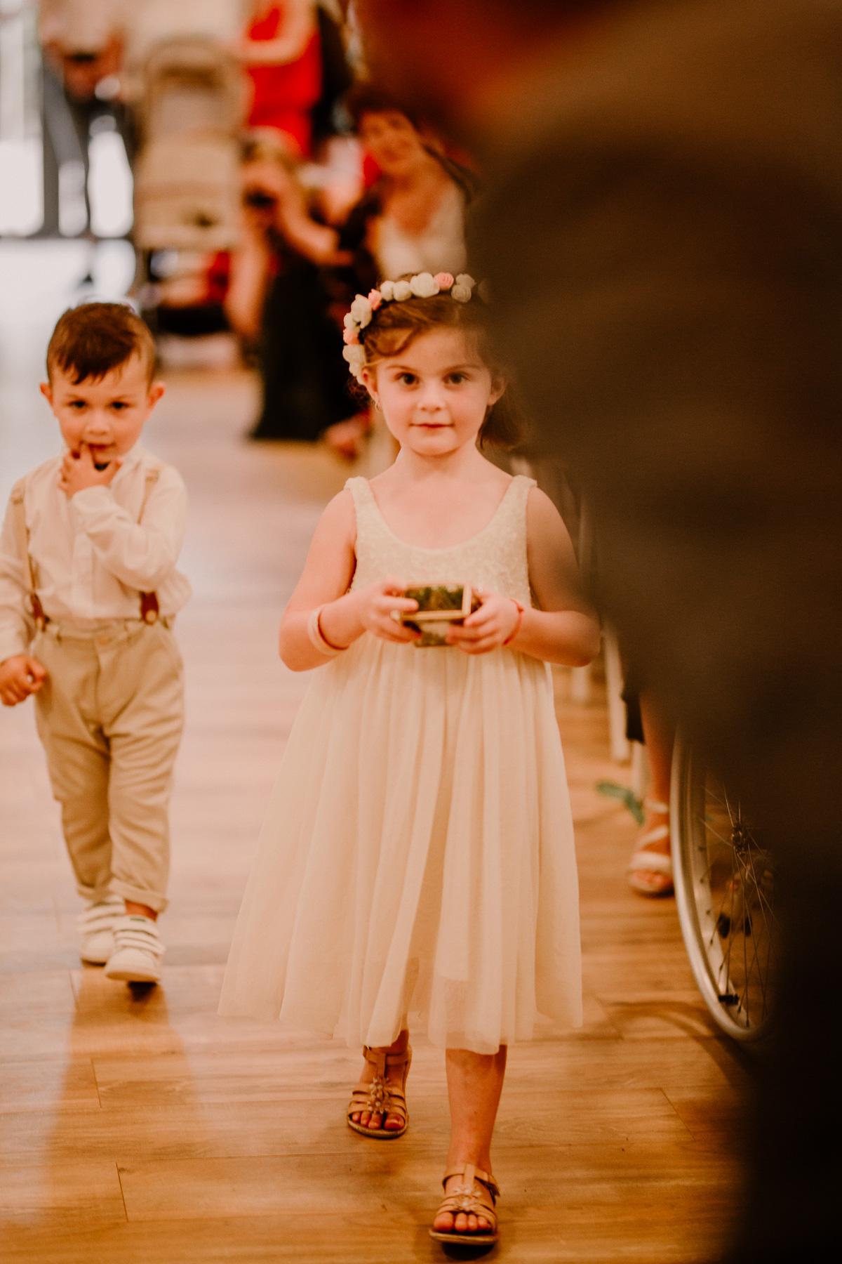 Photographe de mariage chateau boisrigaud usson auvergne enfants
