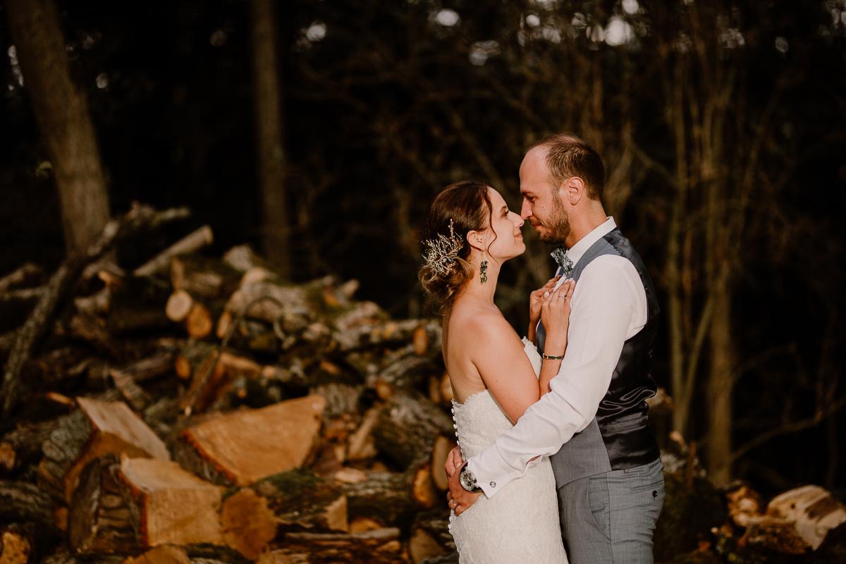 Photographe de mariage chateau boisrigaud usson auvergne bois