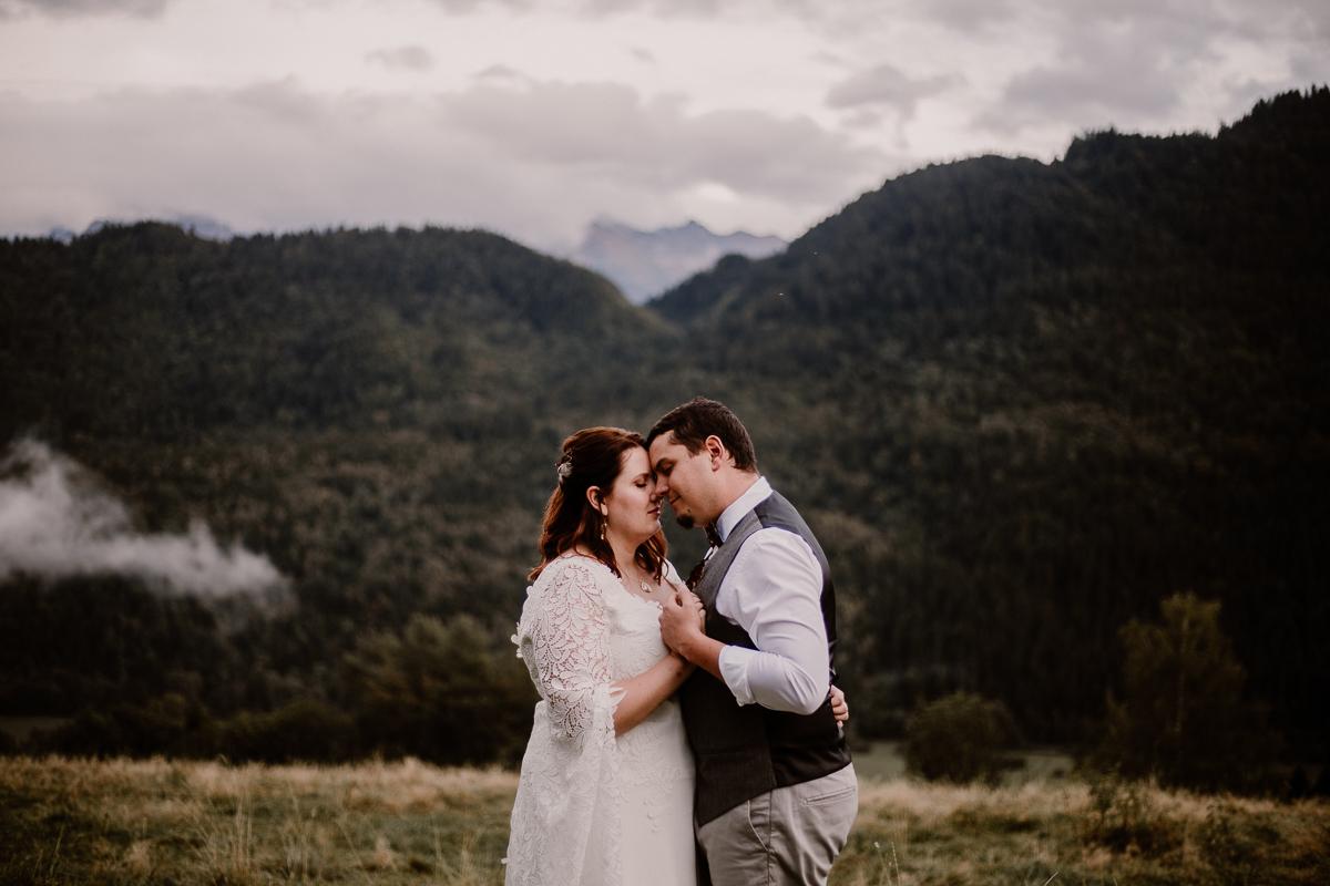 ayna photo photographe mariage auvergne haute savoie couple montagne